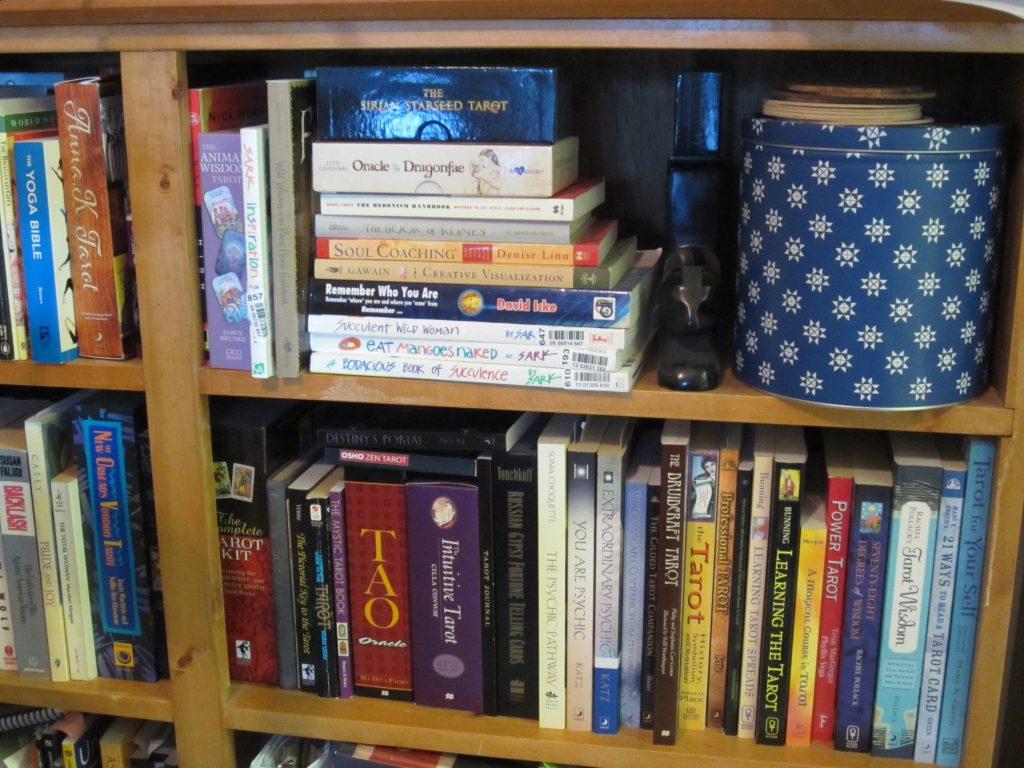 tarot-shelf